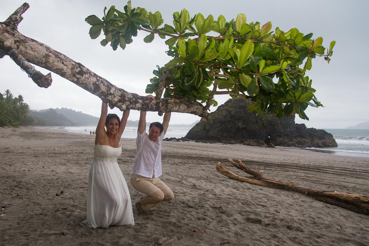 Wedding at hotel parador manuel antonio costa rica august for Weddings in costa rica