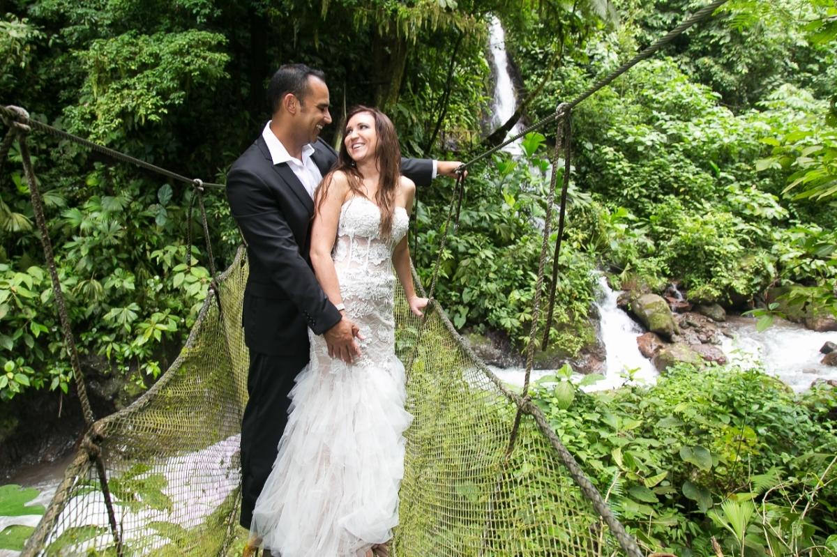 Rainforest wedding photography rainmaker costa rica 2013 for Weddings in costa rica