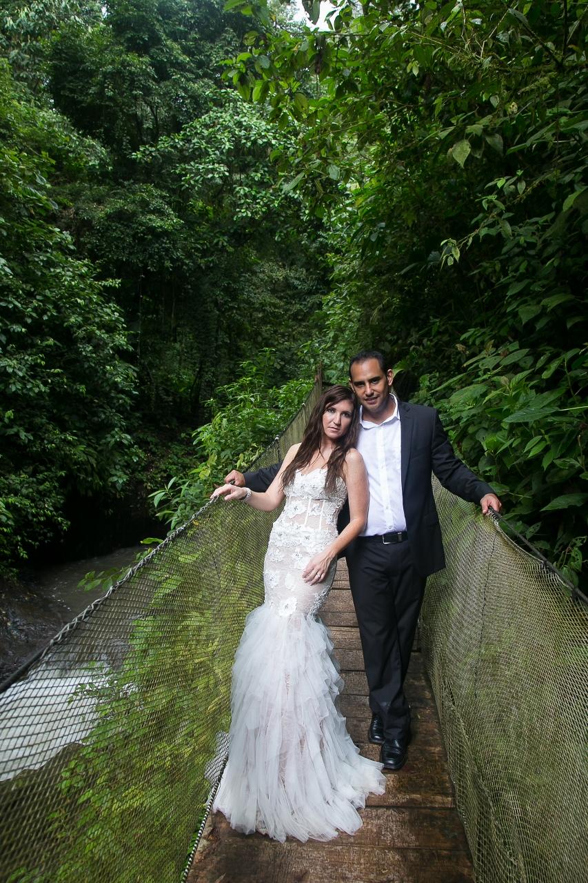 John williamson photography rainforest wedding for Weddings in costa rica