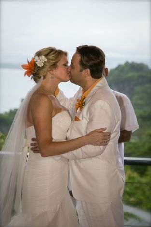 Wedding Photography at Buena Vista Villas Costa Rica by John Williamson