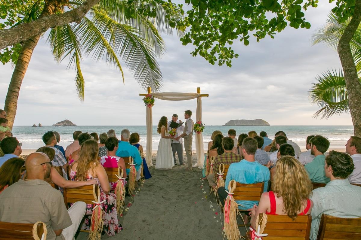 Villa and beach wedding casa fantastica manuel antonio - Casa fantastica ...