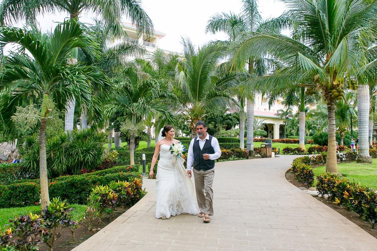 Beach wedding at rui guanacaste costa rica 2015 john for Weddings in costa rica